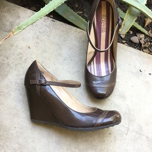 Kenneth Cole Reaction | Mary Jane Pumps